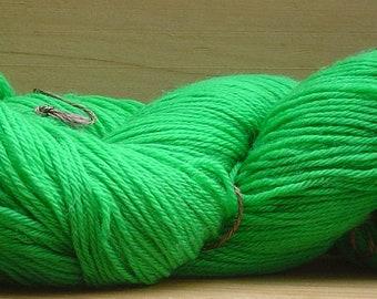 4Ply Merino, hand-dyed yarn, 100g - Leaf Green