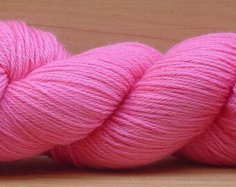 4Ply Merino, hand-dyed yarn, 100g - Whoopsie Daisy Pink