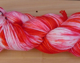 8Ply (DK), hand-dyed yarn, 100g - Strawberry Sweetheart