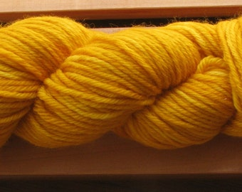 8Ply (DK), hand-dyed yarn, 100g - Fields Of Gold