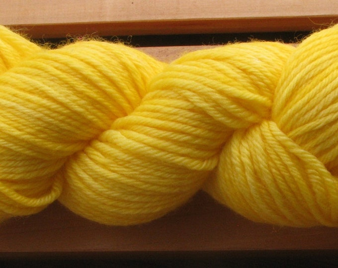 10Ply, hand-dyed yarn, 100g - Golden Yellow