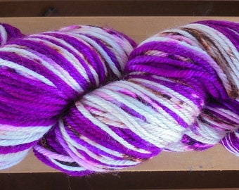 8Ply (DK), hand-dyed yarn, 100g - Berry Crumble