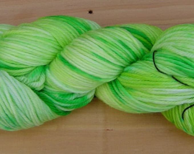 8Ply (DK), hand-dyed yarn, 100g  - Lime Light