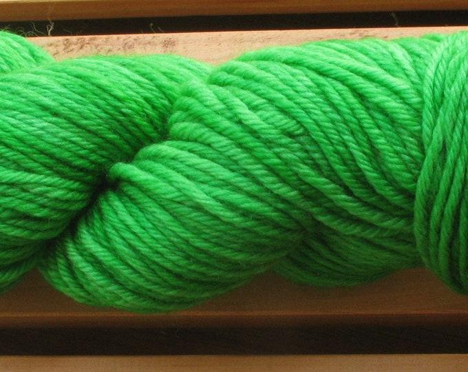 10Ply, hand-dyed yarn, 100g - Leaf Green
