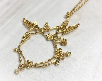 Gold hummingbird necklace, gold flower necklace, filigree granulation spirit animal, totem animal, bird necklace, boho jewelry, delicate