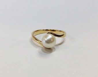 Pearl Bypass Solitaire 14k Yellow Gold Engagement Ring