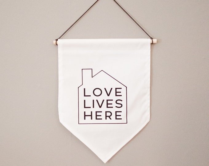 Love Lives Here   Canvas Hanging Wall Banner