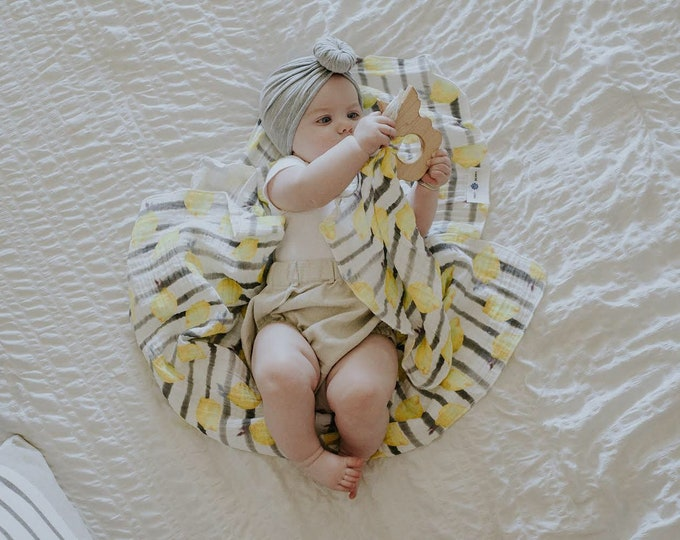 Market Stripe Lemon | Organic double Gauze Baby Swaddle