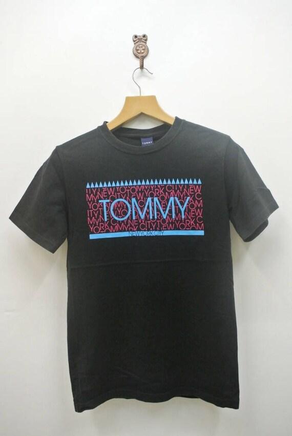 Vintage Tommy Hilfiger New York City T-Shirt Runway Designer Swag Top Tee  Black Color Size M 81d5f75043a