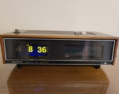 Fully Restored Vintage 1972 (blacklight) Sony TFM-C720W quot Litetime quot Flip Clock AM FM Radio and Alarm