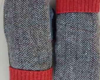 Brown tweed wool sweater mitten