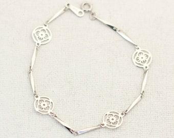 Avon Bracelet Elegant Bracelet Bracelet Femme Vintage Bracelet Flower Bracelet Silver Bracelet CL1 Floral Bracelet 7 Inch