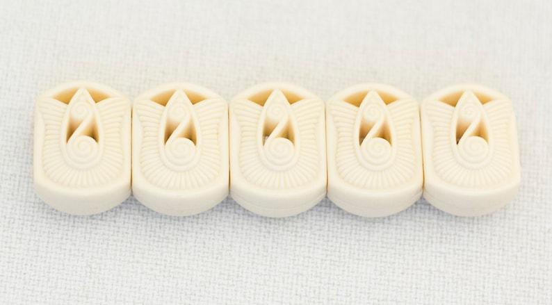 Tulip Bracelet White Stretchy Bangle N7 Vintage Bracelet White Bangle 7  Inch Stretchy Bangle Ivory Bracelet Chunky Bracelet
