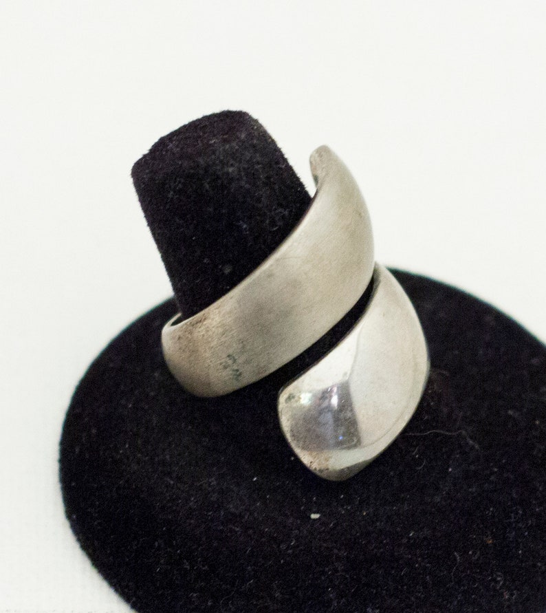 Silver Ring Simple Ring Unique Ring Smooth Ring Size 8.5 Silver Wrap Around Ring Vintage Ring Wrap Around Ring Size 8.5 Ring