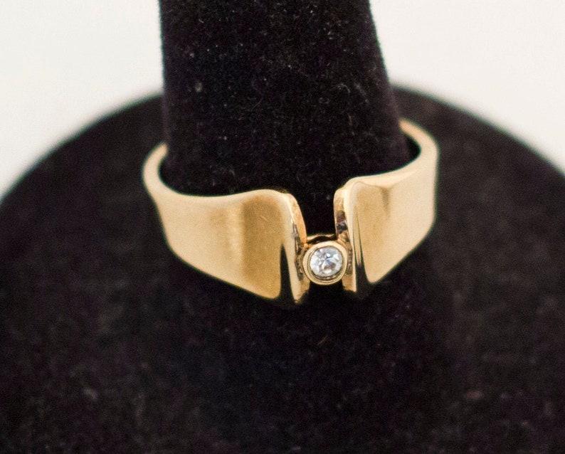 Ladies Ring Thick Banded Ring Vintage Ring Single Stone Ring Grandma Ring Size 7 34 Promise Ring Gold Avon Ring Elegant Ring