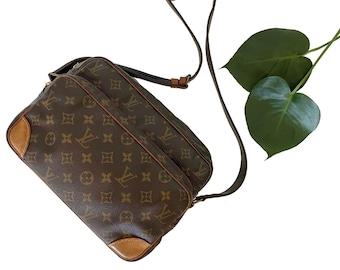 Authentic LOUIS VUITTON Monogram NILE Crossbody Bag Shoulder Messenger Handbag Purse Handbag Vintage YO6476