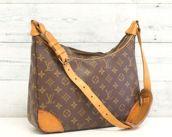 Authentic LOUIS VUITTON Monogram BOULOGNE 30 Shoulder Bag Purse Handbag  Satchel Vintage Yo4614 4965a1580ee7a
