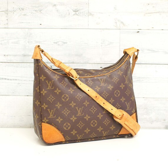 b127fe52f3a2 Authentic LOUIS VUITTON Monogram BOULOGNE 30 Shoulder Bag
