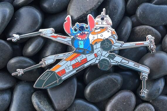 Stitch /& BB8 Flying X-Wing Disney Star Wars Fantasy Pin