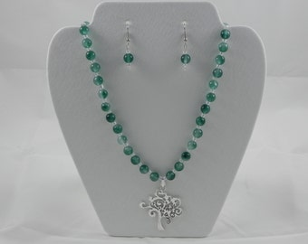 Natural jade and glass beaded necklace with tree pendant and earring set