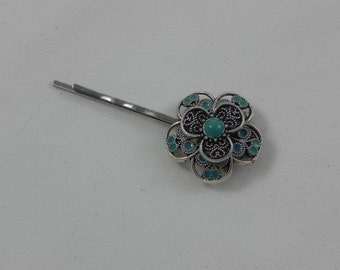 Silver flower bobby pin