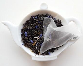Vanilla Almond Green and Black Tea in Pyramid Sachets