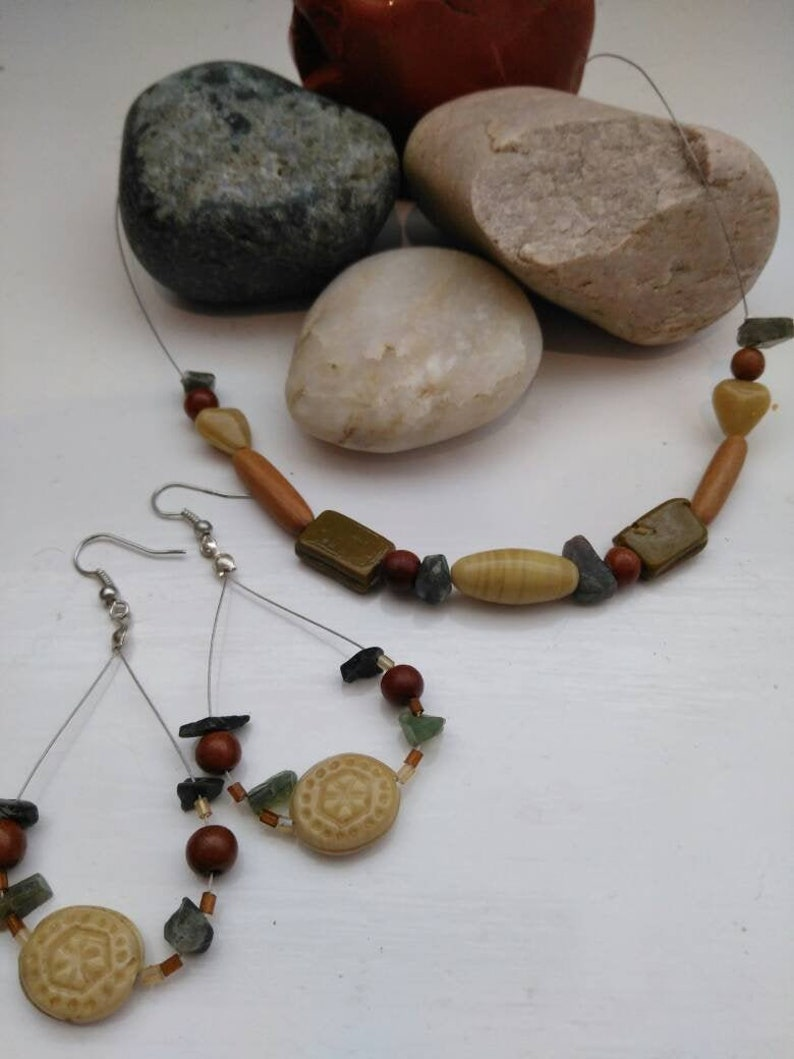 Vintage jewellery Boho wood glass agate bead illusion floating necklace loop dangle earring set recycled upcycled