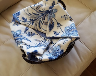 Bread basket liner, to keep your bread/rolls fresh and warm.