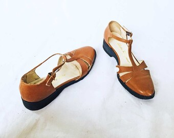 94b93c88309e5 Salvatore Ferragamo Wedge Flats T Strap Ribbed Brown Leather 6 1 2 B Woman  Shoes Mary Janes Wardrobe Staple Investment Dressing