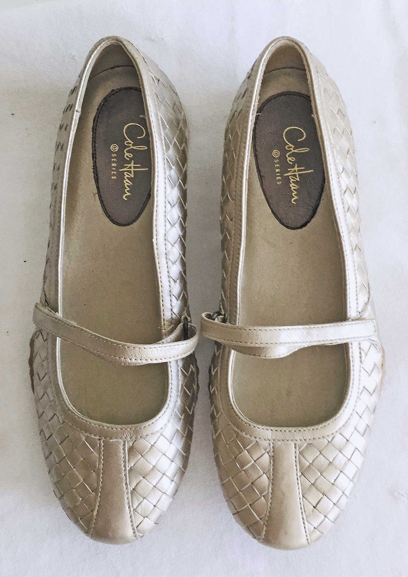 8d007c179b76b Vintage Dead Stock Cole Haan Silver Metallic Mary Jane Flats Shoe Loafers  Ballet 6 B Woman NOS Sexy Capsule Wardrobe Dressing Comfort
