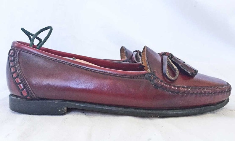7c5092965ea92 Cole Haan Woman Slip On Loafers Mocs Brown Tassel 8.5 N Leather Hand Made  With Cedar Shoe Trees Investment Dressing Capsule Wardrobe Modest