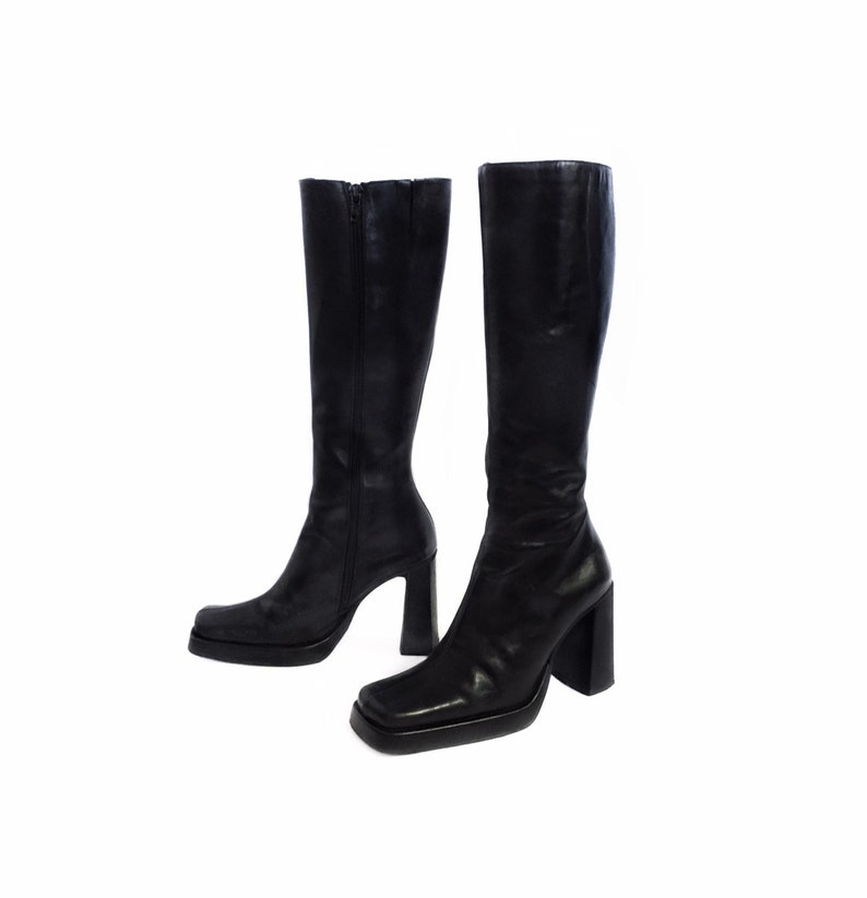 69d1cefd349 Vintage 90 s Charles David Tall Black Chunky Heel