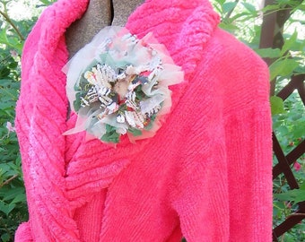 4f843e2d67 Nothing Says Summer like this Vivid Fuchsia Vintage Chenille Robe ~ Super  Soft Plush Bathrobe