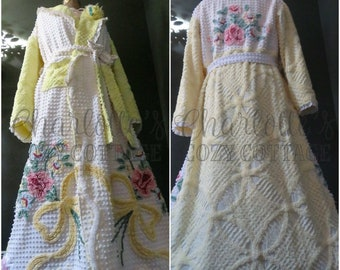 760862405b Sheer Radiance Rose Bouquets Robe Vintage Country Chenille Bedspread  Bathrobe