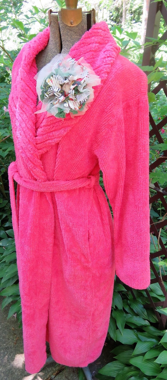 720dde7f0a Nothing Says Summer like this Vivid Fuchsia Vintage Chenille