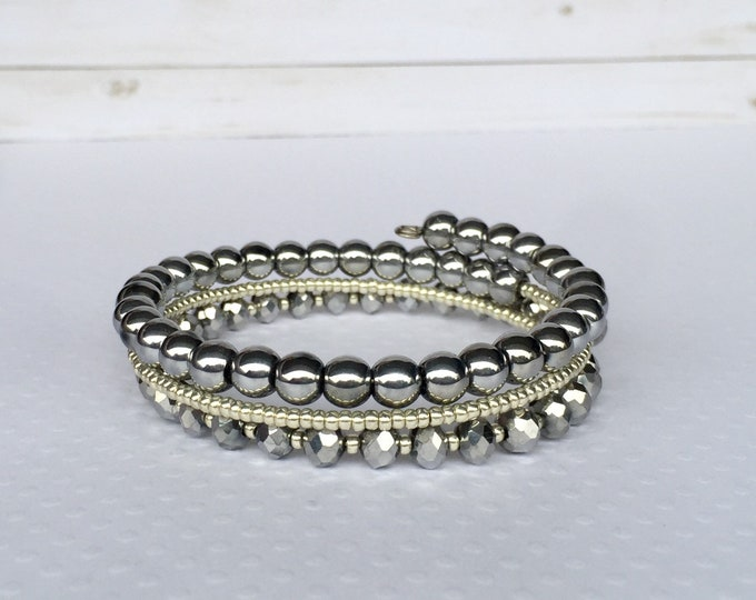 Metallic Triple Wrap Beaded Bracelet, Silver Jewelry, Stackable Bracelets, Beaded Jewelry, Memory Wire Bracelets