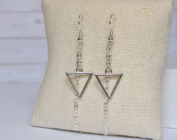 Silver Calypso Dangle Earrings, Triangle Jewelry, Geometric Jewelry, Simple Jewelry, Triangle Earrings