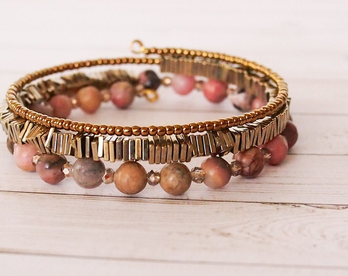 Shades of Pink Triple Wrap Bracelet, Beaded Bracelet, Memory Wire Bracelet, Stackable Bracelet