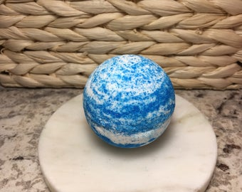 6oz Bath Bomb, Blue Lotus Spa, Vegan Bath Bombs, Handmade, Blue and White