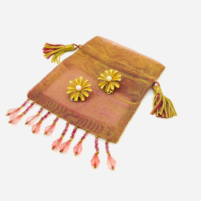 Vintage Brushed Gold Faux Pearl Petal Flower Clip On Earrings