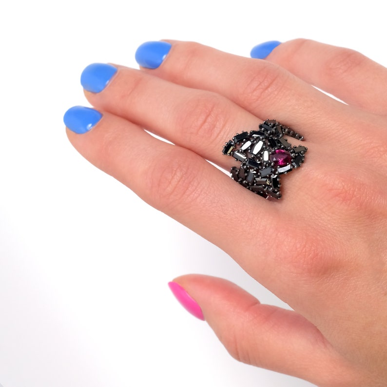 Black and ruby Wide multi-stone ring Gorgeous fine costume jewelry Multi baguette cocktail ring