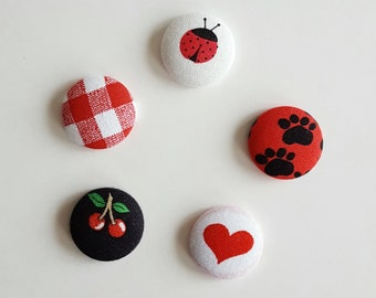 Fabric magnet, set of 5, fridge magnet, red fabric, red magnet, kitchen magnet, dorm decor, fabric button magnet, round magnet, office decor