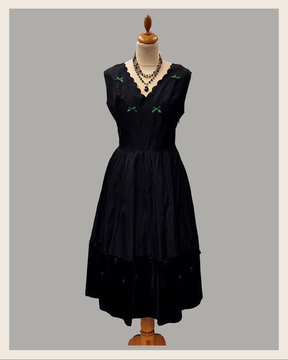 1950/'s Helen All Air St Louis Mo Vintage Black and Silver Jacquard Taffeta Dress