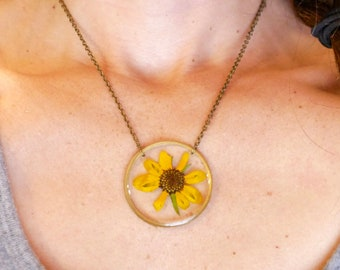 Black eyed susan necklace, pressed flower jewelry, preserved flowers, terrarium necklace, pressed flower necklace, botanical jewelry