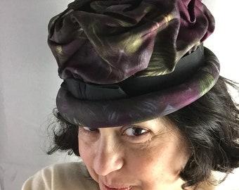 c6798619f88b4 1950s Ruched Watercolor Silk Bucket Hat Dark Plum + Smoke Floral Union  Label Vintage Spring Fashion Retro Ladies Sunday Best Size Small