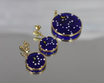 18k - Designer Quality Pendant & Earring Set featuring Enameled Moon and Star Scene in Yellow Gold