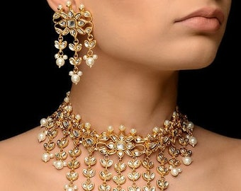 77f203787 traditional Indian wedding golden plated kundan jewellery set Necklace Gold  Tone Kundan Inspired Pearl Necklace with Earrings (Set of 2)