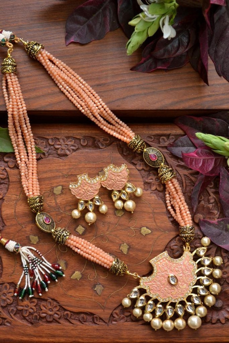 Set of 2 Traditional Indian Pink wedding golden kundan jewellery set choker Necklace Gold Kundan Pearl Necklace with Earrings saree her