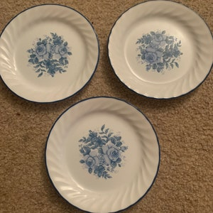 bowls salad plates Vintage Corelle Hearts and Vines dinnerware Blue checked band hearts vines vintage corelle Corning dishes dinner plates