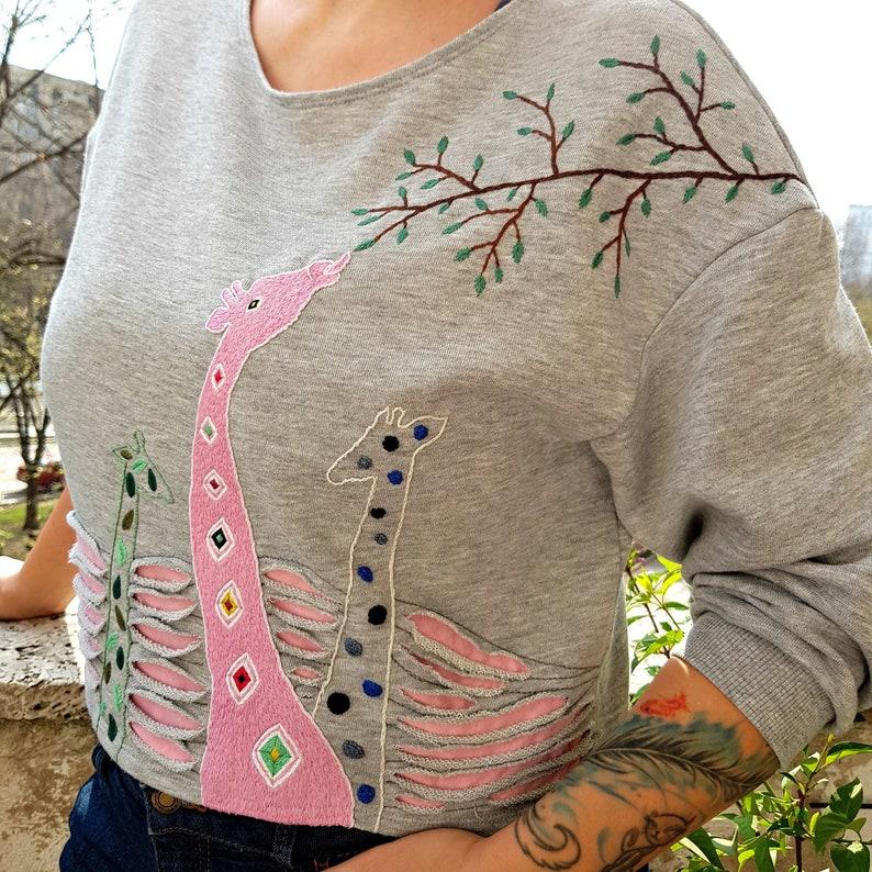 meet e9cbe 8b4b6 Embroidered Shirt, Floral Embroidered, Hand Embroidery, Women's Sweatshirt,  Hand stitchen , Flower, Summer, Giraffe, Abstract, Fashion.